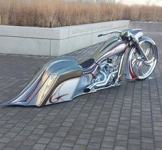 I am a big fan of Harley-Davidson and the art of the female body but what I like the best is the two together. Harley Bagger, Bagger Motorcycle, Harley Bikes, Custom Street Bikes, Custom Bikes, Moto Fest, Motos Harley Davidson, Futuristic Motorcycle, Chopper Bike