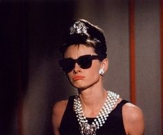Breakfast at Tiffany's (Breakfast at Tiffany), Audrey Hepburn and George Peppard. Breakfast At Tiffany's, George Peppard, Holly Golightly, Favim, Old Hollywood, Classic Hollywood, Role Models, Style Icons, Beautiful People