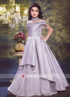 Layered Girls Gown with Off Shoulder Sleeves Baby Frocks Party Wear, Kids Party Wear Dresses, Girls Party Wear, Gowns For Girls, Girls Formal Dresses, Kids Blouse Designs, Girl Fashion, Fashion Dresses, Baby Dress Design