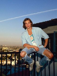 Brad Pitt...Awww look at him. All young and pre stardom.