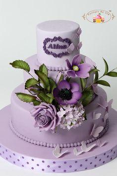 Purple cake with purple flowers - Cake by Viorica Dinu