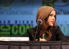 Ellen Page, rocking the slouchy knit cap. I just love her hair and the cap with the sharp jacket. (Okay, I just love Ellen Page.)