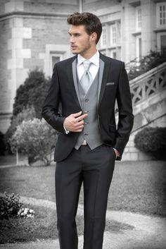 2016 New Style Groom Tuxedos Black Groomsmen Peak Lapel Best Man Suit/Bridegroom/Wedding/Prom/Dinner Suits (Jacket Pants Tie Vest) - Mode Bräutigam - Groom Attire Black, Groom Outfit, Groom Suits, Men's Suits, Designer Suits For Men, Herren Outfit, Tuxedo For Men, Mens Fashion Suits, Wedding Attire