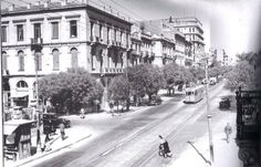 Photos of old Athens - Page 53 - SkyscraperCity Greece Pictures, Old Pictures, Old Photos, Old Greek, Amazing Destinations, Public Transport, The Past, Street View, Journey