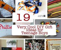19 Very Cool DIY Gift Ideas for Teenage Boys_edited-1