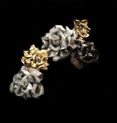 Rosas de piel en plata, oro y oro viejo