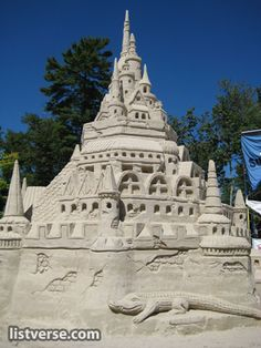 This looks just like the sandcastle at Point Sebago Resort, Maine a couple years ago. Lots of details