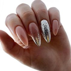 Semi-permanent varnish, false nails, patches: which manicure to choose? - My Nails Perfect Nails, Gorgeous Nails, Pretty Nails, Almond Acrylic Nails, Cute Acrylic Nails, Nail Manicure, Gel Nails, Pink Glitter Nails, Silver Glitter