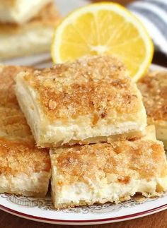 One word describes this easy lemon cream cheese bars recipe — EXCELLENT.When life gives you lemons, don't make lemonade. Make this easy lemon cream cheese bars Sour Cream Cheesecake, Lemon Cheesecake Bars, Easy Cheesecake Recipes, Lemon Bars, Lemon Dessert Recipes, Lemon Recipes, Köstliche Desserts, Delicious Desserts, Bar Recipes