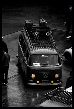 VW Bus, Resto-Cal Look, Classic Radio Flyer Wagon on Roof Rack #FurgoLovers