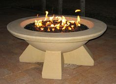 Looking for outdoor fire pit ideas to warm up your backyard or patio? Discover 35 unique and modern fire pits that will add a welcome glow to any outdoor space. Fire Pit Reviews, Outdoor Fire, Outdoor Decor, Outside Fireplace, Fire Pit Party, Fire Pit Ring, Modern Fire Pit, Cool Fire Pits, Fire Pit Designs