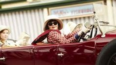 Essie Davis as Phryne Fisher driving her fabulous Hispano Suiza in Miss Fisher's Murder Mysteries Miss Fisher, Hispano Suiza, Tv Detectives, Louise Brooks, Driving Gloves, Murder Mysteries, Fashion Moda, Fashion 1920s, Fashion Hats