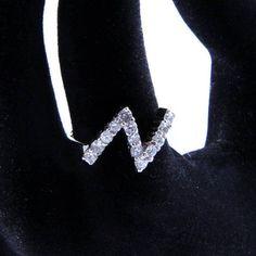 #thunder #ring #minimal / Inel argint geometric Traznet - Bijuterii minimaliste   SilverBox.ro Silver Rings, Diamond, Model, Jewelry, Jewlery, Jewerly, Scale Model, Schmuck