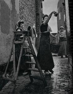 ed van wijk ,  Spakenburg vrouwen   , j 50 by janwillemsen, via Flickr #Utrecht #Spakenburg