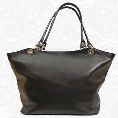 dffc0d4d76 Štýlová dámska kožená kabelka vyrobená z pravej talianskej kože. Kabelka je  vhodná pre každú modernú
