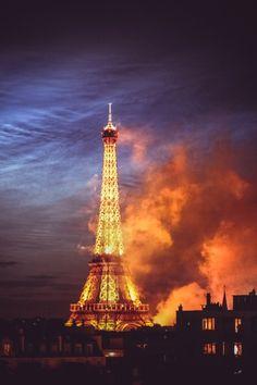 La Dame de fer by Cyril Blanchard Tour Eiffel, Beautiful World, Beautiful Places, Monuments, Tuileries Paris, Building Art, I Love Paris, Kirchen, City Lights