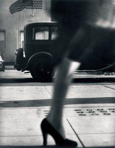 Lisette Model, the Street Photographer Who Taught Diane Arbus - Artsy Diane Arbus, Photo D Art, Foto Art, Harlem Renaissance, Black White Photos, Black And White Photography, Frank Horvat, Walker Evans, Concours Photo