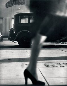 Running Legs, 5th Avenue, New York, c. 1940-41. Photographer: Lisette Model