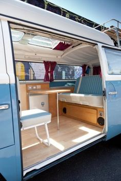 VW Camper Van Interior Ideas (VW Camper Van Interior Ideas) design ideas and photos Kombi Trailer, Vw Caravan, Kombi Camper, Kombi Home, Vw Camper Vans, Airstream Campers, Vw Vans, Diy Camper, Vw T3 Syncro