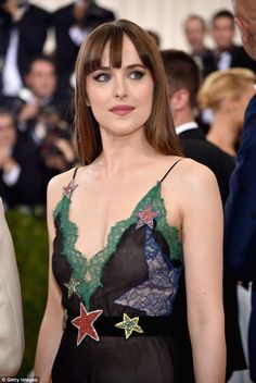 See Dakota Johnson's Met Gala Style Transformation in Photos!: Photo Dakota Johnson is set to make her fourth appearance at the Met Gala this evening and since she was our most popular actress in we're going to take a look… Dakota Johnson 2016, Estilo Dakota Johnson, Dakota Mayi Johnson, Costume Institute, Fifty Shades Of Grey, Celebrity Hairstyles, Celebrity Style, Celebrity Pictures, Ideias Fashion