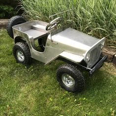 Pedal car Jeep ( home built) Mini Jeep, Go Kart Plans, Radio Flyer, Metal Toys, Pedal Cars, My Ride, Childcare, Cars And Motorcycles, Cool Cars