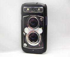 Samsung Galaxy S3 i9300 Twin Reflex Vintage Camera hard cover case. $12.99, via Etsy.