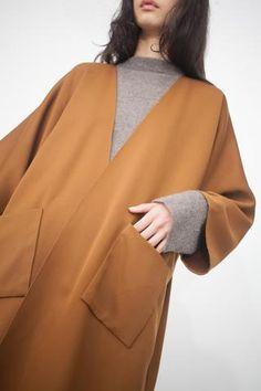 Rachel Craven Long Kimono Jacket in Bark Womens Fashion Uk, New Fashion Trends, Cute Fashion, Long Kimono Outfit, Kimono Jacket, Haute Couture Designers, Punk Women, Kimono Fashion, Slow Fashion