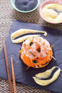 Stupite i vostri amici con una cena estiva dai sapori esotici e accattivanti cominciando con un #antipasto fresco e croccante: #insalata di #daikon e #gamberi ! (daikon and #shrimp #salad ) #Giallozafferano #recipe #ricetta #appetizer #Japan