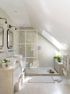 Small Attic Bathroom, Small Bathroom Interior, Guest Bathrooms, Bathroom Ideas, Tub Remodel, Attic Remodel, Interior Design Tips, Ceiling Design, Attic Ideas