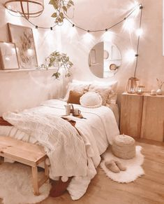 Bedroom Decor For Teen Girls, Cute Bedroom Ideas, Room Ideas Bedroom, Small Room Bedroom, Bedroom Inspo, Dream Bedroom, Cozy White Bedroom, Cozy Bedroom Decor, Teenage Bedroom Decorations