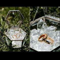 Ideas for wedding rings box black Wedding Boxes, Wedding Cards, Wedding Favors, Wedding Gifts, Wedding Decorations, Wedding Invitations, Engagement Ring Holders, Ring Holder Wedding, Wedding Engagement