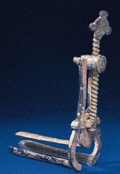 Roman trivalve vaginal speculum with replica screw (ca. 99 B.C.–A.D. 400) found in Lebanon