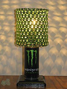 9 ideas para hacer lamparas con anillas de latas de cerveza o refrescos. Ideal para reciclar y decorar al mismo tiempo.