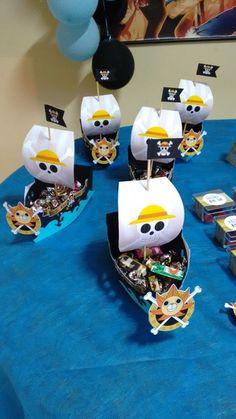 One Piece Anime, One Piece Comic, Pirate Birthday Cake, Pirate Birthday Invitations, Deco Pirate, Pirate Theme, One Piece Birthdays, Anime Diys, Anime Cake