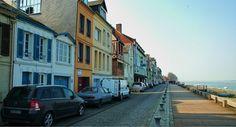 Saint-valery-sur-somme-baie-de-somme-en-camping-car Saint Valery, Camping Car, Geography, Saints, Street View, France, Adventure, History, Architecture