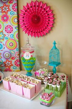 Owl Whoo's One themed birthday party supplies planning idea