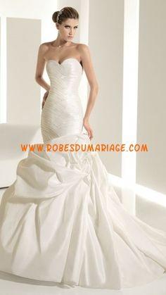 Blanche robe sans bretelle ivoire au drapé robe de mariée ivoire