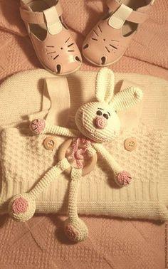 Ideas Toys Soft Bear Patterns For 2019 Bunny Crochet, Crochet Baby Toys, Crochet For Kids, Baby Knitting, Knit Crochet, Amigurumi Patterns, Doll Patterns, Crochet Patterns, Bear Patterns