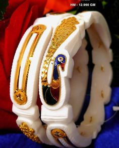 Gold Bangles Design, Gold Earrings Designs, Indian Jewellery Design, Jewelry Design, Bengali Wedding, Indian Wedding Jewelry, Bangle Bracelets With Charms, Gold Work, Gold Accessories