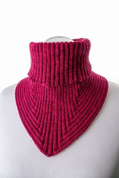 Also a great Turtleneck for a sweater. - Ravelry: Treppenviertel Cowl pattern by Nicola Susen