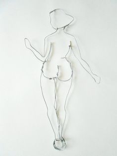 Wire sculpture - Art - Nude - woman profile-  wire wall sculpture - wall hanging by morphingpot on Etsy https://www.etsy.com/listing/204483118/wire-sculpture-art-nude-woman-profile