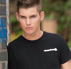 Kieron Richardson (Hollyoaks again) Kieron Richardson, Danny Miller, Hollyoaks, Lgbt Love, Best Soap, I Have A Crush, Pretty Men, Actor Model, On Set