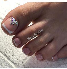 Pretty Toe Nails, Cute Toe Nails, Fancy Nails, Toe Nail Color, Toe Nail Art, Pedicure Designs, Toe Nail Designs, Picasso Nails, Shellac Pedicure