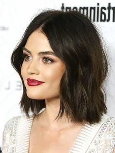 New Cost-Free Lucy Hale Bob Hairstyles Ideas Who developed the Bob hair? Bob has been leading the league of tendency hairstyles for decades. Cute Bob Haircuts, Angled Bob Haircuts, Choppy Bob Hairstyles, Bob Hairstyles For Fine Hair, Diy Hairstyles, Lucy Hale Hairstyles, Bob Hairstyles Brunette, Lucy Hale Bob, Lucy Hale Haircut