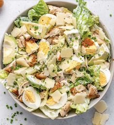 Low Carb Chicken Salad, Chicken Caesar Salad, Healthy Chicken, Healthy Salads, Healthy Recipes, Keto Recipes, Food Porn, Large Salad Bowl, How To Cook Eggs