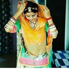 Rajasthani Bride, Rajasthani Dress, Rajputi Dress, Girl Friendship, Indian Bridal Fashion, Royal Dresses, Ethnic Dress, Royal Fashion, Traditional Wedding