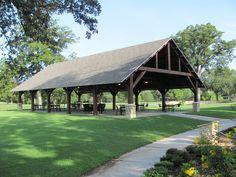Golf Course Pavilion  www.texastimberframes.com https://www.facebook.com/pages/Texas-Timber-Frames/72503484999