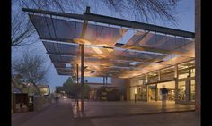 Working with architectural firm Studio Ma in Phoenix, Ariz., Awnings & More used graphic elements from Rainer Industries and 392 Wide Weave Mesh by Ferrari Textiles to create canopies in front of a bookstore at Arizona State University. Fabric Structure, Shade Structure, Canopy Architecture, Facade Architecture, Canopy Outdoor, Outdoor Fabric, Pergola, Fabric Canopy, Fabric Awning