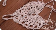 Simple, free and heart shaped crochet barefoot sandals, the Kayla pattern, from DivineDebris.com