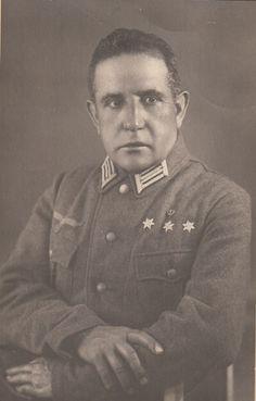 Capitán Capellán Don Paulino Clemente Marijuan Zamora...nacido en Uruñuela (La Rioja)....integrante de la División Azul
